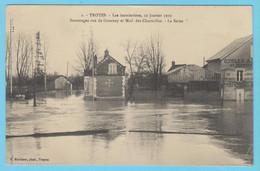 J.P.S. 12 - C.P. 33 - Inondations De 1910 - 2 - Sauvetages Rue De Gournay Et Mail Des Charmilles - La Seine - Troyes