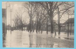 J.P.S. 12 - C.P. 56 - Inondations Du 21 Janvier 1910 - Cours Jacquin - Troyes