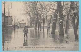 J.P.S. 12 - C.P. 73 - Inondations Du 21 Janvier 1910 - N° 10 - Le Cours Jacquin En Face Les Abattoirs - Troyes