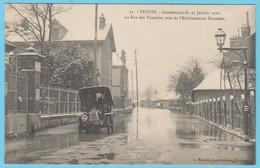 J.P.S. 12 - C.P. 74 - Inondations Du 21 Janvier 1910 - N° 11 - La Rue Des Tauxelles Près De L'Etablissement Rousseau - Troyes