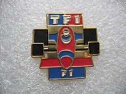 """Pin's De L'Emission """"Formule 1"""" Sur La Chaine TF1 - Médias"""