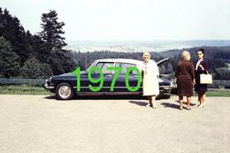 RARE PHOTO ............. CITROEN DS 21 & TROIS FEMMES EN 1970 - Auto's