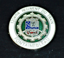 Rare Insigne De Col Type Pin's 120 ème Régiment Du Train Fontainebleau 2.5 Cm - 1939-45