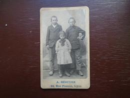 """Ancienne Photo D'enfants """""""" Photographe A. Héritier Lyon """""""" """" Indications Au Dos Sur Modane En France """" - Persone Anonimi"""