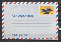 1970 / 75 - 1003** - Emblème Des PTT - Aérogrammes