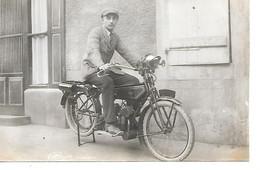 Carte Photo Souvenir De Ronchamp A Mon Oncle Bernard Chamoine Davranches 1922 Singée Gaston Lievre - Francia