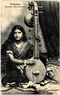 INDE INDIA PONDICHERY Bayadère Musicienne - India