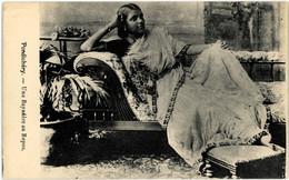 INDE INDIA PONDICHERY Une Bayadère Au Repos - India