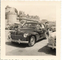 Mont-Saint-Michel : Couple Ancienne Voiture Immatricule 59 : En 1958 , ( Photo : 9 X 9 Cm ) - Luoghi