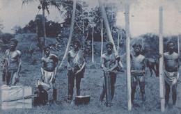 POSTCARD EAST TIMOR - TIMOR PORTUGUÊS - OLD PORTUGUESE COLONY -TIPOS E COSTUMES ( CARREGADORES ) -  ETHNIC - East Timor