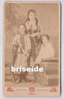 FOTOGRAFIA REALE BERTELLI E SOTTERI SUCCESSORI DI MONTABONE TORINO CDV 10,5 X 6 MAMMA CON BIMBI - Ancianas (antes De 1900)