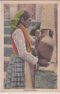 PS / ITALIE (Folklore) Costumi Siciliani ( Jeune Femme à La Cruche En Tenue Locale) - Sin Clasificación