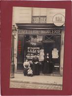 CARTE PHOTO UNE PAPETERIE ET MARCHAND DE CARTES POSTALES JOURNAUX RUE DE PARIS - Artigianato Di Parigi