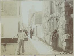Un Rue Aux Saintes-Maries-de-la-Mer (Bouches-du-Rhône). Camargue. 1909. Album De L'historien Gérard De Beauregard. - Luoghi
