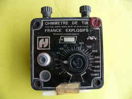 """Ohmmètre De Tir Et Sa Sacoche  Marque """" France Explosifs """" Utilisé Par Les Artificiers Démineurs De L'armée - Equipaggiamento"""