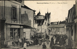 CPA Montreuil Bellay Maine Et Loire, Place Du Marché - Sonstige Gemeinden