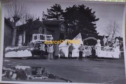 Chagny- Dept 71 - Mi-carême -  Char Oldtimer Et Cameramen -photo Miguet- 17 X 11 - Lugares