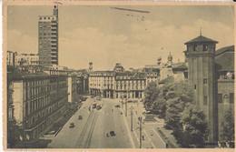 Torino - Piazza Castello - Tram -Bus - Auto Epoca - Places