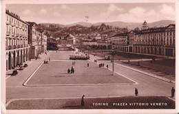 Torino - Piazza Vittorio Veneto - Animata - Bus - Tram - Places