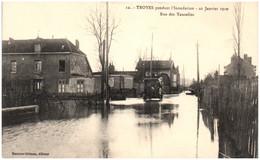 10 TROYES Pendant L'inondation  - Rue Des Tauxelles - Troyes