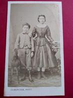 Photo CDV Second Empire - Frère Et Soeur - Cheval De Bois - Circa 1865/70 - Photo Subercaze, Pau - TBE - Ancianas (antes De 1900)