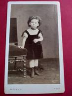 Photo CDV  Fillette Debout - Mode - Circa 1875 - Photo Witz à Rouen  BE - Ancianas (antes De 1900)