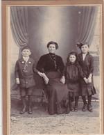 """Photo Foto - Formato """"Album"""" - Madre Con I Tre Figli - Years  '1890 - V. Falomo, Pordenone - Antiche (ante 1900)"""