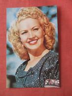 Betty Grable   Ref 4413 - Artistas