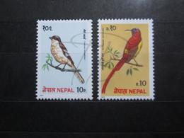 VEND BEAUX TIMBRES DU NEPAL N° 352 + 353 , XX !!! - Nepal
