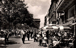 CPSM - PARIS - AVENUE DES CHAMPS ELYSEES ... - Edition C.A.P. - Distretto: 08