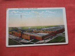 Ford Motor Co   Stamp Peeled Off Back Paper Peel  Michigan > Detroit  Michigan  Ref 4414 - Detroit