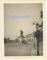 France, 1940 - Chaumont, Haute-Marne - Place Emile Goguenheim - Luftwaffe - Aufklärungsgruppe 21 - Wehrmacht - Guerre, Militaire