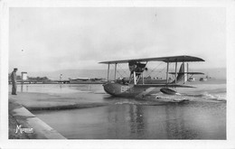 Thème  Aviation  Hydravion :  Hydravion Sur L'étang De Berre      (voir Scan) - Sin Clasificación