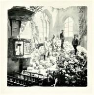 PHOTO FRANÇAISE - POILUS DANS LES RUINES DE L'EGLISE A ARVILLERS PRES DE WARSY - ROYE - SOMME 1915 - GUERRE 1914 1918 - 1914-18