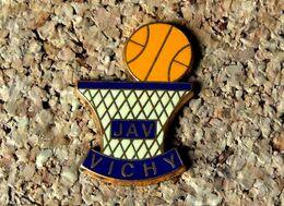 Pin's BASKET - JAV VICHY(03) - EMAIL - Fabricant BERAUDY - Baloncesto