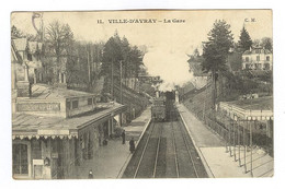 E472 - VILLE D'AVRAY - La Gare - Arrivée Du Train - Ville D'Avray