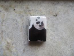 Fève Dessin Animé Panda PO 2019 DWA LLC - Strips