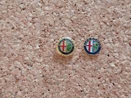 LOT DE 2 PINS AUTOMOBILE ALFA ROMEO LOGO - Alfa Romeo