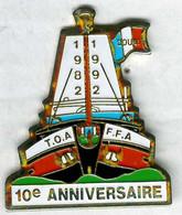 Pin's Militaire Militaria Armée TOA - FFA Anciens Des Forces Françaises En Allemagne Et Autriche Douai Bateau Péniche - Militares