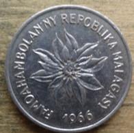 MADAGASCAR - 5 Francs - 1966 - Madagascar