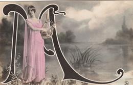 CPA  FEMME Artiste CLEO DE MERODE   ALPHABET  Lettre M - Frauen
