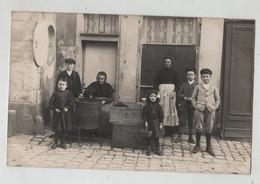 Carte Postale Photographique Vendeuse De Biscuits Lefèvre Utile à Identifier - Photographs