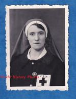 Photo Ancienne Style Identité - Beau Portrait Infirmiére De La Croix Rouge Française - Uniforme Bijou Insigne ? Medical - Mestieri