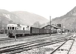 818  7-0998        GARES AVEC TRAINS - Stations - Met Treinen