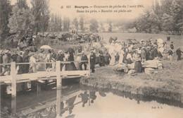 CARTE POSTALE   BOURGES 18  Concours De Pêche Du 7 Aout 1904.Dans Les Prés.Buvette En Plein Air. - Bourges
