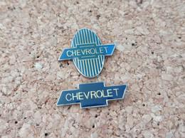 LOT DE 2 PINS AUTOMOBILE LOGO CHEVROLET - Altri