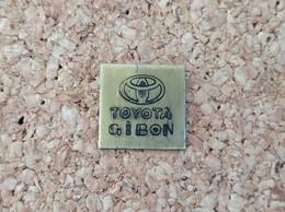 PINS AUTOMOBILE TOYOTA GIBON - Toyota