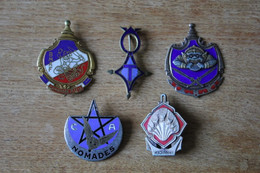 Lot De 5 Insignes Militaires Anciens Cambodge, Sahara, Troupes D'Afrique - Badges & Ribbons