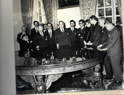 10 - 2020 - YVELINES - 78 - VERSAILLES -1968 - Séjour En France Des Gouverneurs Japonais -  Découverte DeL'art Français - Fotografía