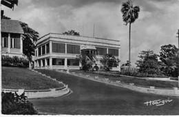 GABON - LIBREVILLE : La Mairie - CPSM Dentelée Noir Blanc Format CPA - Afrique Noire Black Africa - Gabun